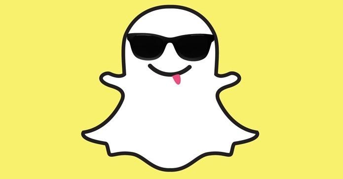 Atualização do Snapchat permite que usuários troquem de rosto com fotos salvas no celular (Foto: Divulgação/Snapchat)