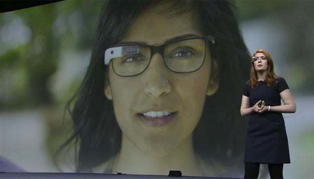 Google apresentou detalhes dos seus óculos do futuro, chamados Google Glass (Foto: Reprodução)