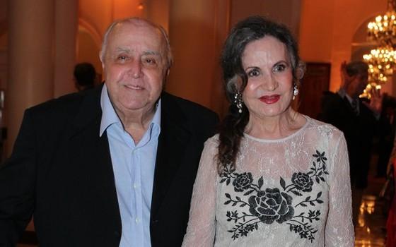 Mauro Mendonça e Rosamaria Murtinho vão ganhar um documentário sobre suas vidas em 2017, chamado O craso e a rosa (Foto: Ag News)