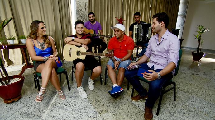Pedro e Aline bateram um papo especial com os irmãos Matheus e Kauan  (Foto: reprodução EPTV)