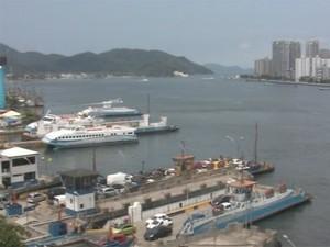 Travessia das balsas entre Santos e Guarujá (Foto: Reprodução / TV Tribuna)