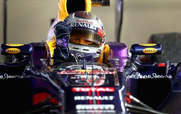 Sebastian Vettel e seu capacete reluzente em Cingapura (Foto: Getty Images)