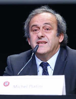 Platini durante coletiva em Zurique nesta quinta (Foto: Ruben Sprich/ Reuters)