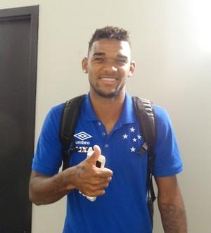 Bruno Viana acredita que orientações de Paulo Bento vão melhorar defesa do Cruzeiro (Foto: Maurício Paulucci)