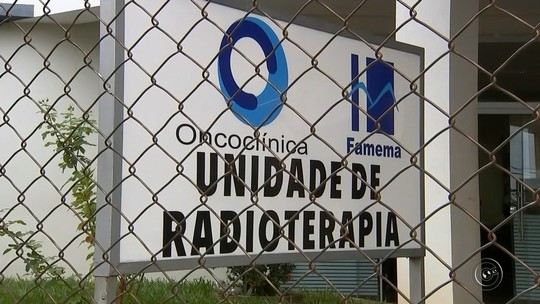 Pacientes de radioterapia enfrentam longa espera para atendimento em hospital de Marília