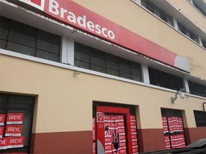 Agência do Bradesco na Avenida Estados Unidos, no Comércio, em Salvador (Foto: Juliana Almirante/ G1 Bahia)