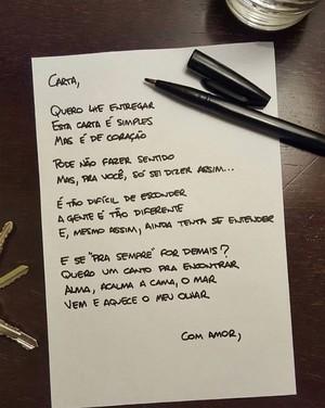 'Carta' é a primeira composição em português da Pagan John: 'Fizemos no terraço do hotel, em uma noite cheia de estrelas e bem inspiradora' (Foto: Reprodução/redes sociais)