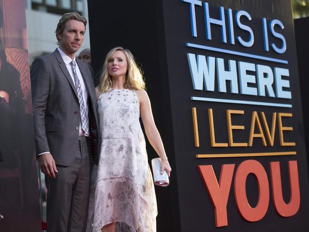 Dax Shepard e a mulher, Kristen Bell, grávida, em première de filme em Los Angeles, nos Estados Unidos (Foto: Mario Anzuoni/ Reuters)