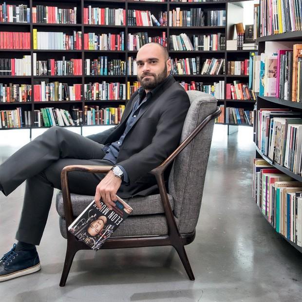 Marcelo Reis veste acervo pessoal (Foto: Ruy Teixeira)