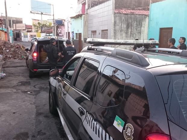 Foram cumpridos  22 mandados de busca e apreensão (Foto: Jacson Damasceno)