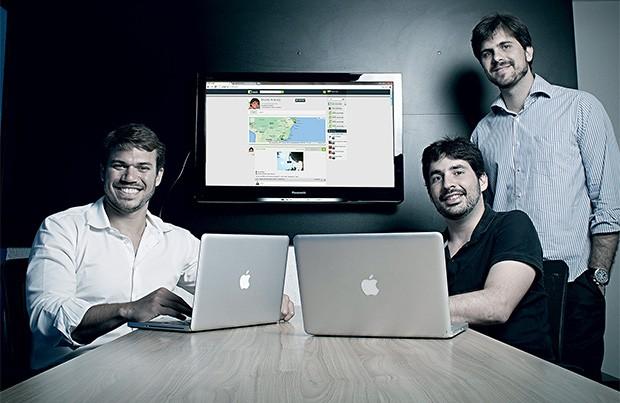 NEGÓCIO CIDADÃO Os sócios Pandolfi, Maia e Aracaty no escritório, em São Paulo. Eles querem lucrar e ajudar  as prefeituras (Foto: Camila Fontana/ÉPOCA)