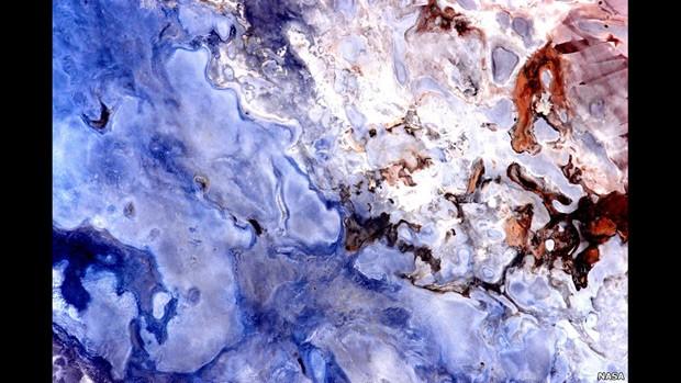 Nesta última série, concentrada na Austrália, Kelly registrou imagens impressionantes de lagos, rios e do deserto (Foto: Scott Kelly/NASA)
