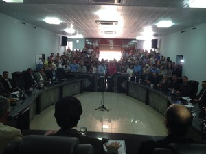 Nove suplentes tomaram posse na câmara (Foto: Renata Torres/ TV Asa Branca)