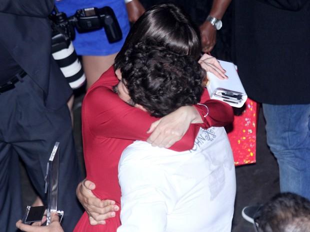 Caio Castro e Maria Casadevall em premiação no Rio (Foto: Alex Palarea e Felipe Assumpção/ Ag. News)