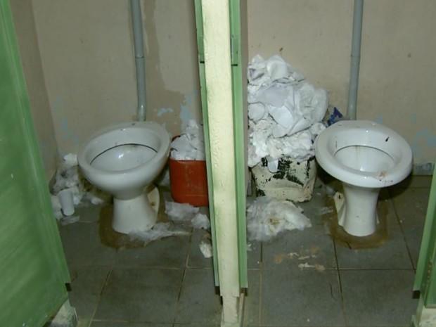 Higiene Para Banheiro : G falta de higiene em banheiros afasta visitantes