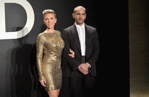 A atriz Scarlett Johansson e o ex-marido, Romain Dauriac (Foto: Getty Images)