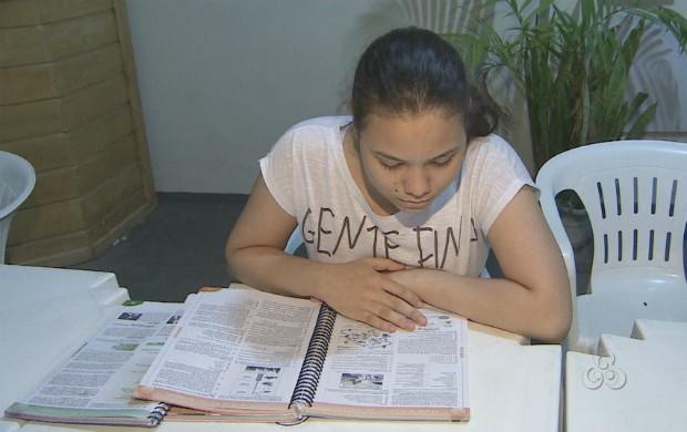 Estudante dedica 10 horas por dia para se preparar  para o exame (Foto: Reprodução/TV Amapá)