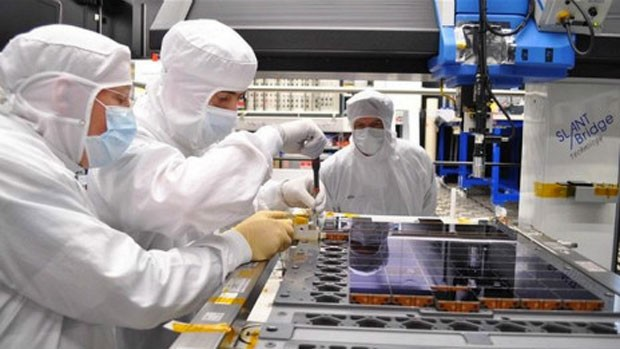 O satélite Gaia em construção: câmera tem sensores que detectam distintos tipos de luz (Foto: BBC)