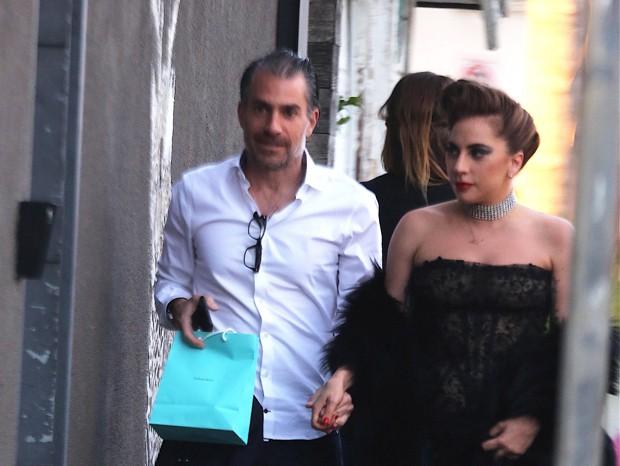 Lady Gaga e Christian Carino  (Foto: GrosbyGroup)