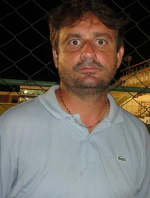 Giuliano Pariz, técnico do Conilon (Foto: Jean Carlos Fonseca)