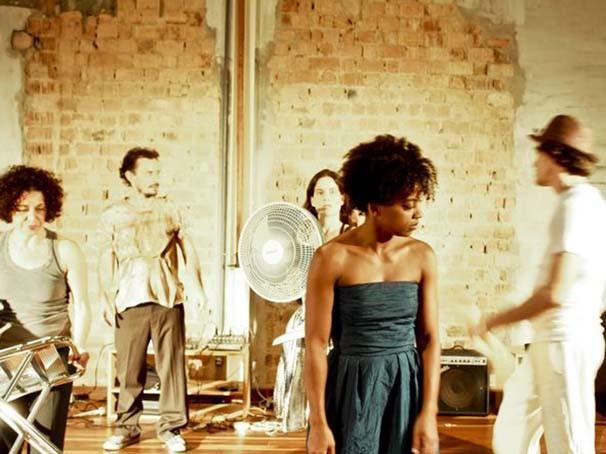 Peça é uma produção do Coletivo Improviso (Foto: Pedro Antonio Garavaglia + Olívia Ferreira)