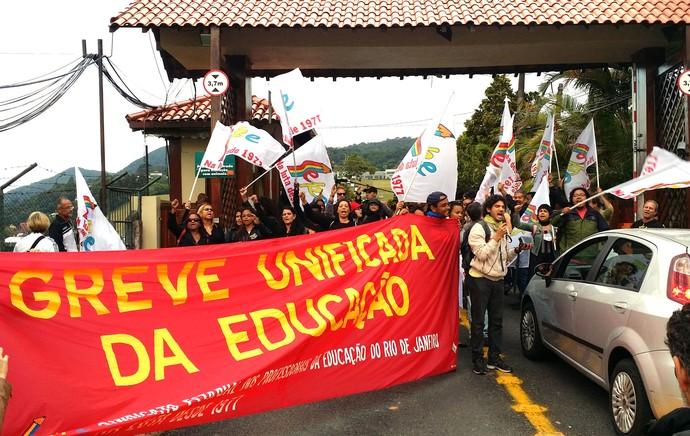 Manifestação Granja Comary (Foto: Marcio Iannacca)