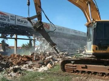 Estádio Plínio Marim, Votuporanga, demolição, Votuporanguense (Foto: Reprodução / TV TEM)