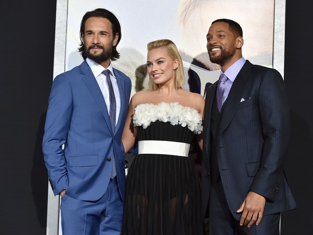 Rodrigo Santoro, Margo Robbie e Will Smith em première de filme em Los Angeles, nos Estados Unidos (Foto: Kevin Winter/ Getty Images/ AFP)