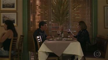 Haroldo diz a Gilda que Nicolau em breve deve querer sair de casa