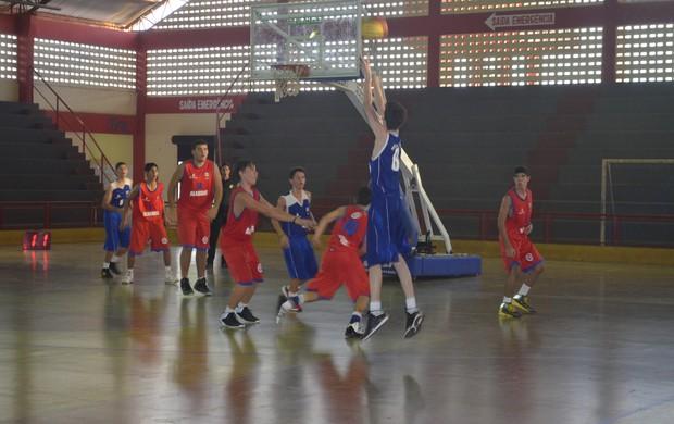 basquete sub 15 (Foto: Jonhwene Silva/GE-AP)