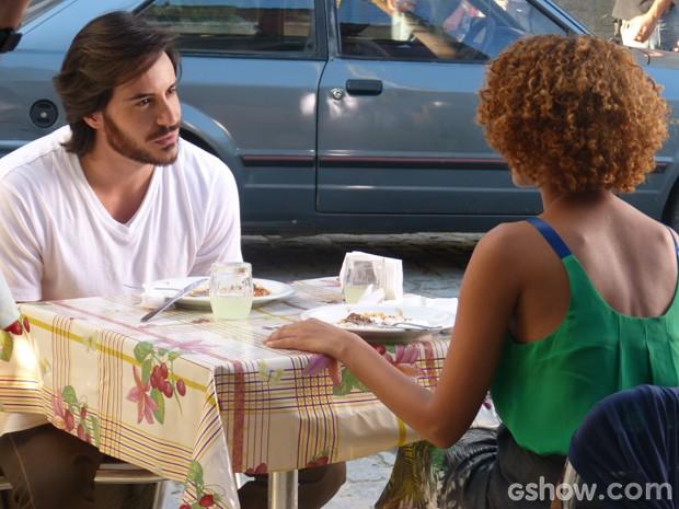 Verônica dá a real para Herval e diz que não está pronta para um novo romance (Foto: Geração Brasil/TV Globo)
