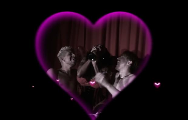 Inês Brasil em 'Make Love' (Foto: Reprodução/Youtube)
