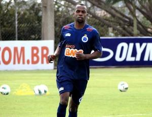 Sandro Silva no treino do Cruzeiro (Foto: Leonardo Simonini / Globoesporte.com)