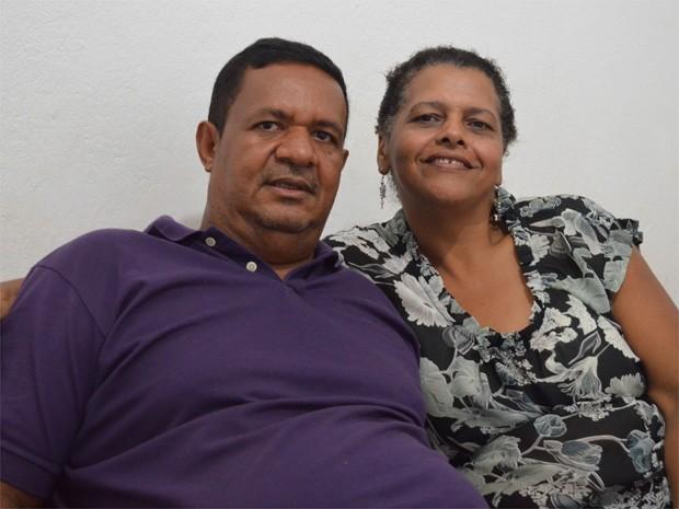Castro e Sônia se sensibilizaram com história de irmãos e adotaram jovens em Ribeirão Preto (Foto: Rodolfo Tiengo/ G1)