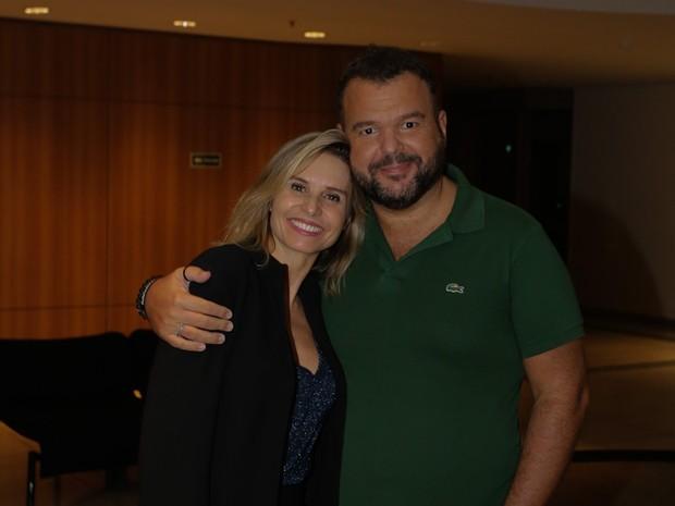 Paula Burlamarqui e Expedito Araújo em pré-estreia de peça em São Paulo (Foto: Cláudio Augusto/ Brazil News)