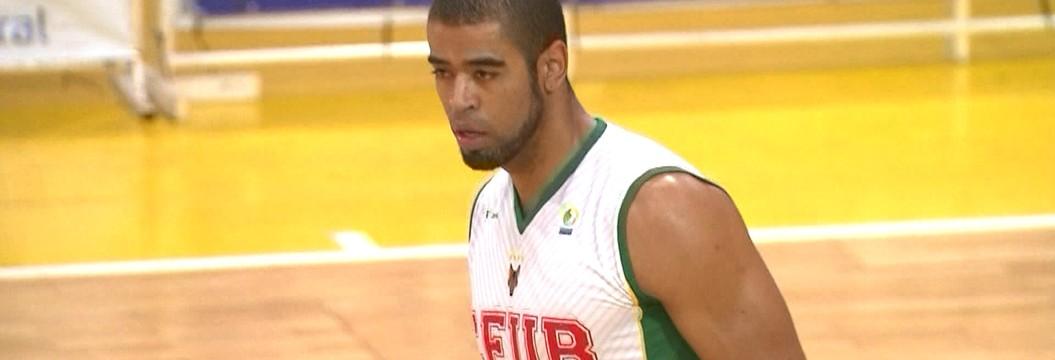 Ronald, ala-pivô do Brasília, é  flagrado no exame antidoping