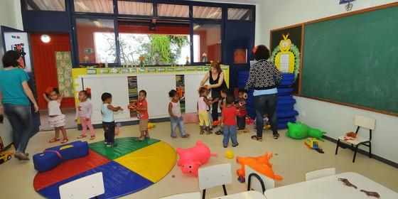 Crianças brincam em creche da PPP, em Belo Horizonte. (Foto: Divulgação)