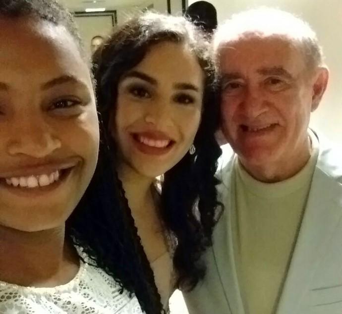 Malu Cavalcanti realizou o sonho de conhecer Renato Aragão e ainda fez foto com a filha dele, Livian (Foto: Arquivo pessoal )