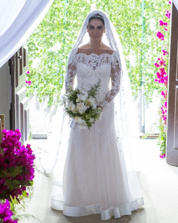 Giovanna Antonelli posa com figurino de Alice para casamento com Mario (Foto: Felipe Monteiro / Globo)
