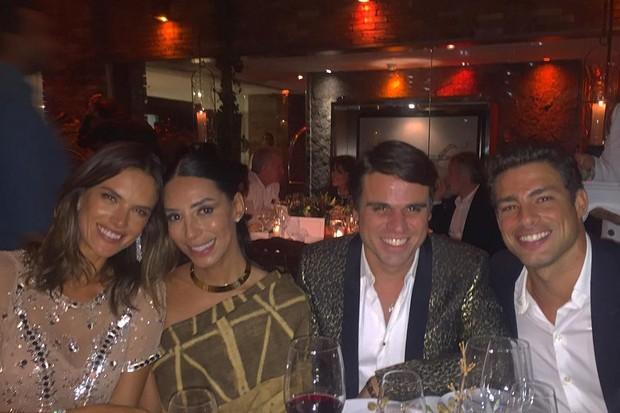 Alessandra Ambrosio, Lea T, o RP Beto Pacheco e Cauã Reymond (Foto: Reprodução/Instagram)