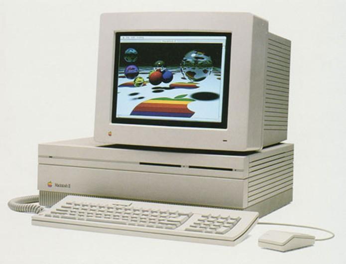 Macintosh II trouxe displays coloridos para os computadores da Apple (Foto: Reprodução/Elson de Souza)