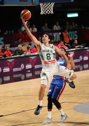 Benite marcou 13 pontos na vitória sobre os domincanos (Foto:  José Jiménez Tirado/FIBA Americas)