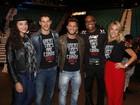 Quarteto de atores se encontra com Anderson Silva em Las Vegas