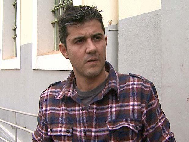 Arthur Paes faz apelo por pistas sobre o paradeiro do filho desaparecido (Foto: Sérgio Oliveira/EPTV)