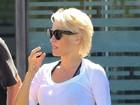 Pamela Anderson deixa tatuagem 'secreta' à mostra