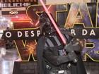 Fãs de Star Wars vão fantasiados ao cinema em dia de estreia no DF