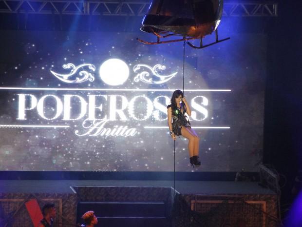 Anitta faz show no Rio (Foto: Léo Marinho/ Ag. News)