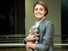 Sophie Charlotte é puro mimo com cãozinho que ganhou de Daniel Oliveira