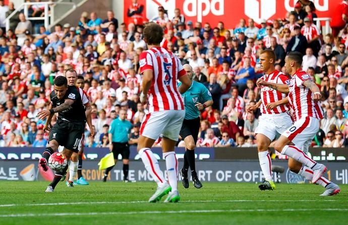 Philippe Coutinho gol Stoke Liverpool (Foto: Reuters)