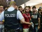 Médicos e ativistas criticam testes de idade para migrantes na Alemanha